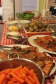 Kahvila tarjoaa lounasta kesäaikoina.
